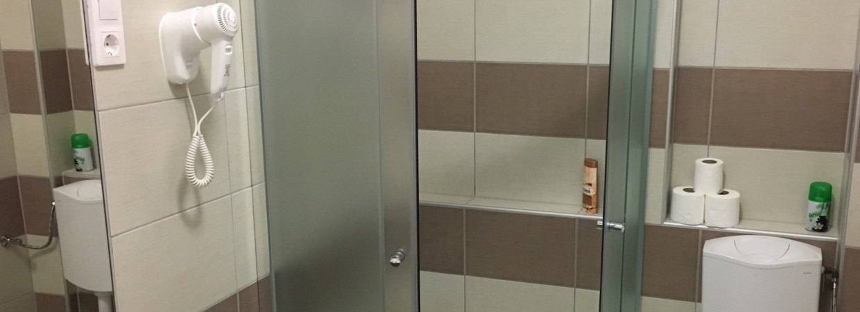 Hajszárító a fürdőkben !